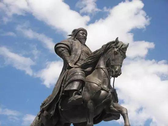 民族风丨极尽华美的蒙古族武器装备:金绣弓囊 第1张