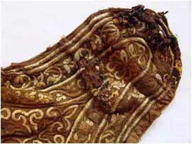 民族风丨极尽华美的蒙古族武器装备:金绣弓囊 第7张