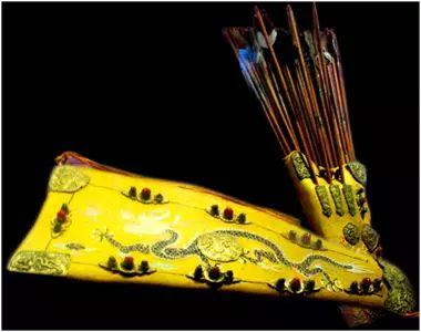 民族风丨极尽华美的蒙古族武器装备:金绣弓囊 第8张