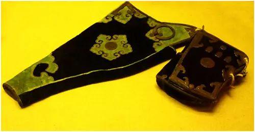 民族风丨极尽华美的蒙古族武器装备:金绣弓囊 第9张