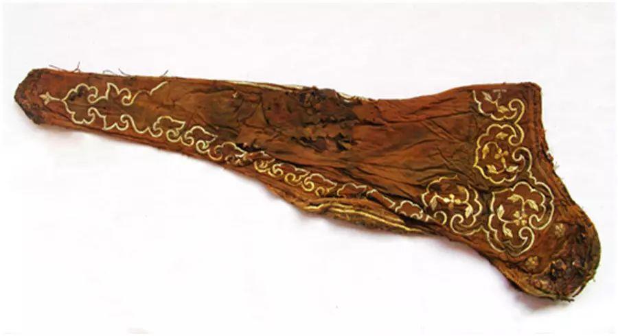 民族风丨极尽华美的蒙古族武器装备:金绣弓囊 第4张