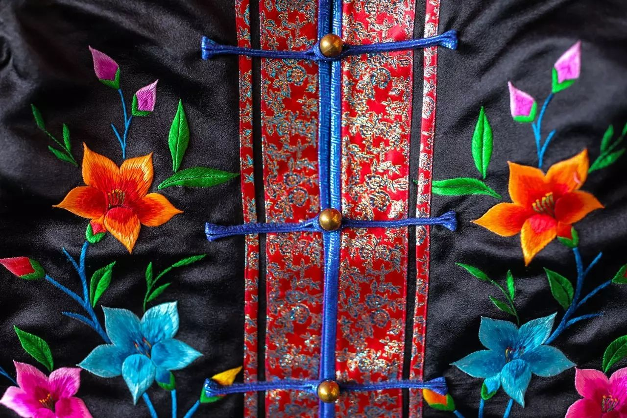 图什业图蒙古刺绣 第5张 图什业图蒙古刺绣 蒙古服饰