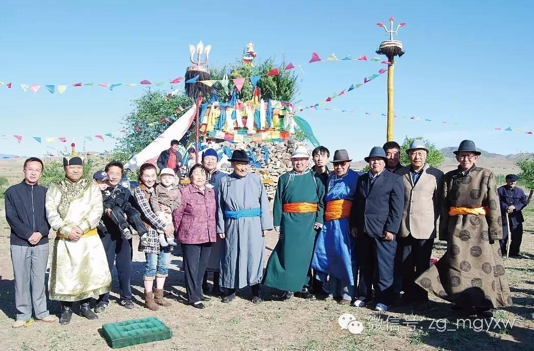 文化丨图什业图蒙古人心中的五座圣山,你造吗?(蒙古文) 第3张