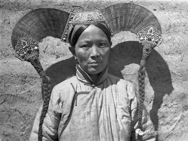 老照片:见证百年前蒙古女性(组图) 第4张