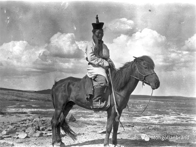 老照片:见证百年前蒙古女性(组图) 第7张