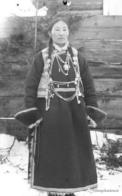 老照片:见证百年前蒙古女性(组图) 第12张