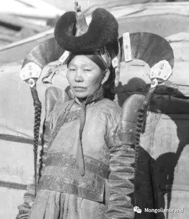 老照片:见证百年前蒙古女性(组图) 第9张
