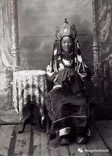 老照片:见证百年前蒙古女性(组图) 第13张