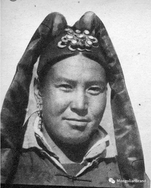 老照片:见证百年前蒙古女性(组图) 第18张