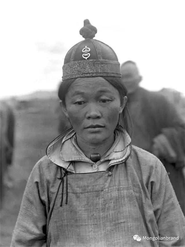 老照片:见证百年前蒙古女性(组图) 第16张