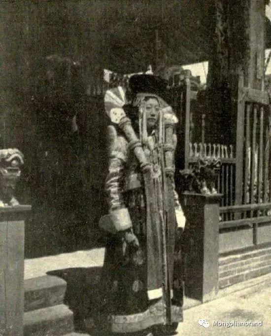 老照片:见证百年前蒙古女性(组图) 第22张