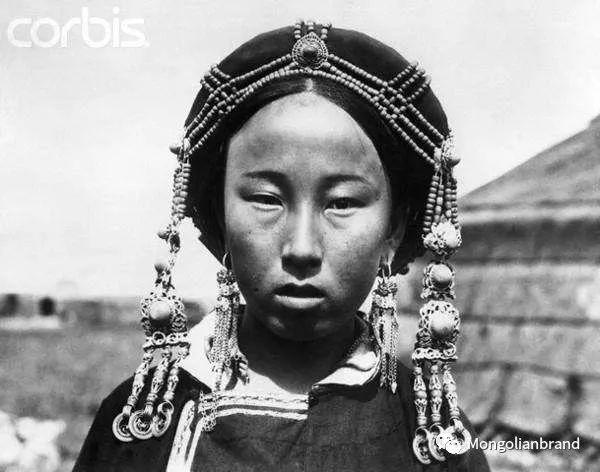 老照片:见证百年前蒙古女性(组图) 第23张