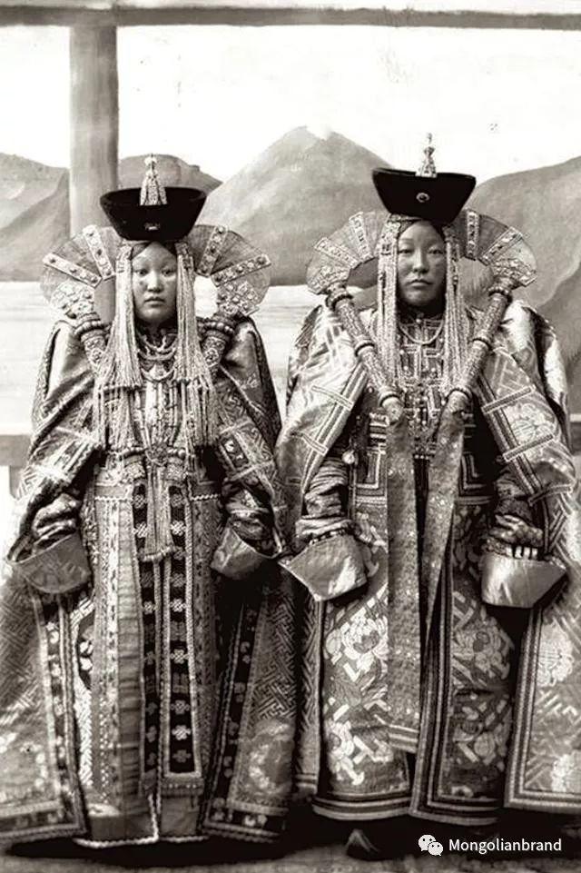 老照片:见证百年前蒙古女性(组图) 第35张