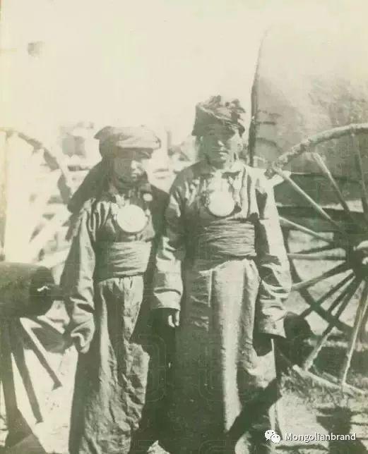 老照片:见证百年前蒙古女性(组图) 第34张