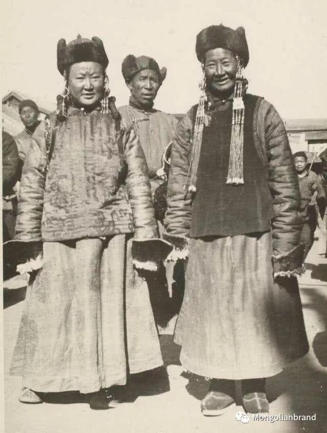 老照片:见证百年前蒙古女性(组图) 第39张