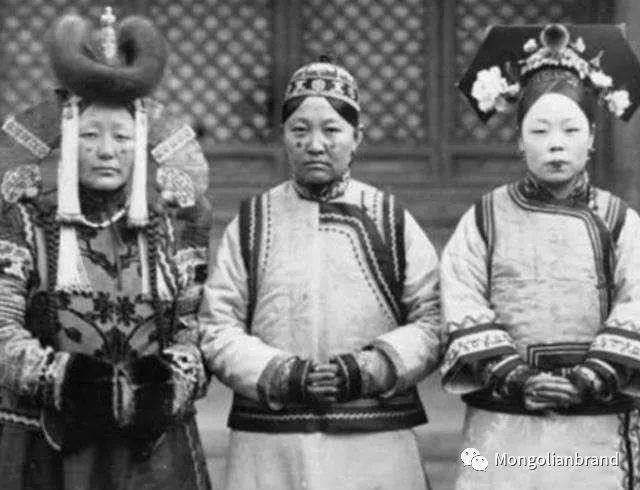 老照片:见证百年前蒙古女性(组图) 第44张