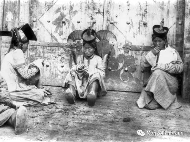 老照片:见证百年前蒙古女性(组图) 第51张