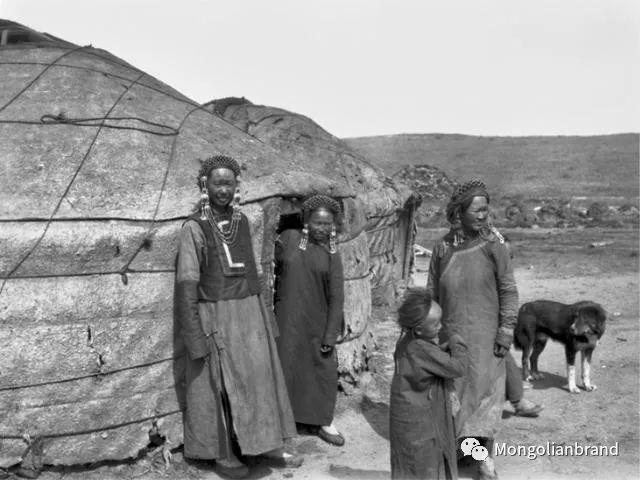 老照片:见证百年前蒙古女性(组图) 第53张
