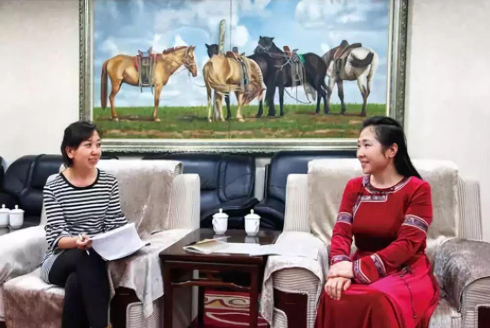 引领蒙医药事业迈向国际的蒙古女人 第4张 引领蒙医药事业迈向国际的蒙古女人 蒙古文化