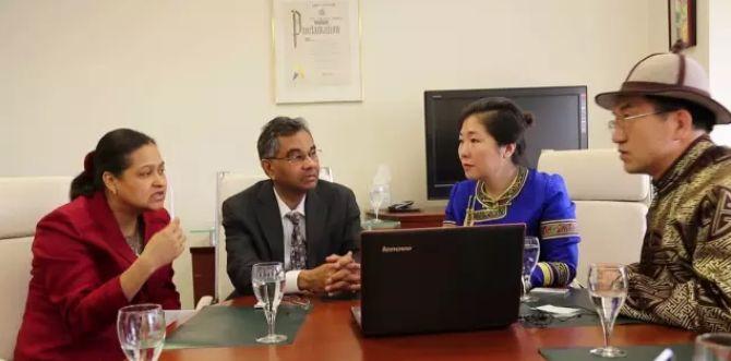 引领蒙医药事业迈向国际的蒙古女人 第6张 引领蒙医药事业迈向国际的蒙古女人 蒙古文化