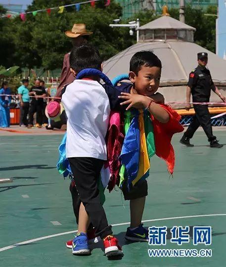 喜迎六一国际儿童节(蒙古文·图片) 第1张