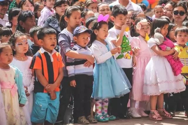6.1的来历,国际上的儿童节怎么过的?(蒙古文) 第10张