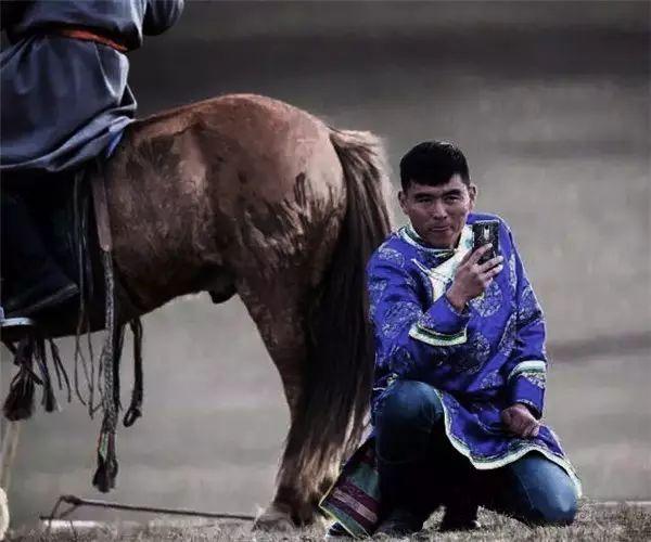 摄影师钢特木尔作品:镜头记录草原文化 第24张 摄影师钢特木尔作品:镜头记录草原文化 蒙古文化