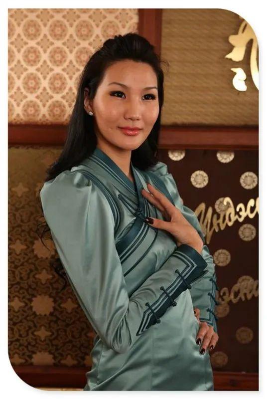 美丽的蒙古袍 第2张
