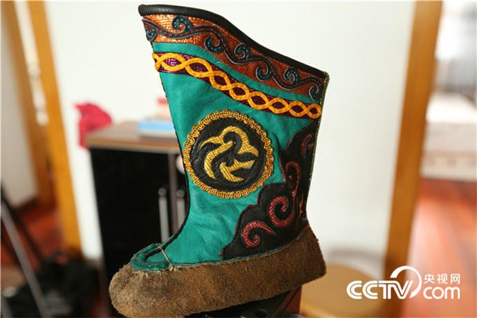 【传统文化】巴尔虎靴子(蒙古文) 第9张 【传统文化】巴尔虎靴子(蒙古文) 蒙古文化