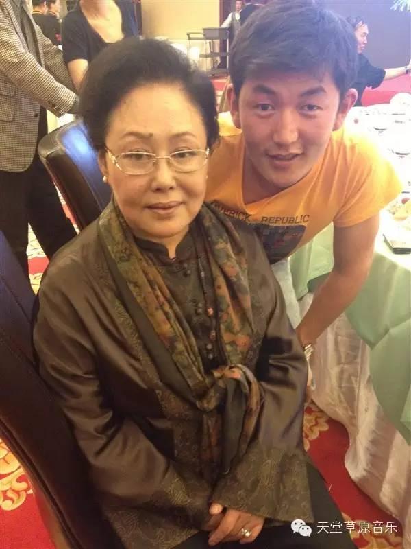 布里亚特蒙古族青年演员巴特孟和(附电影欣赏) 第4张