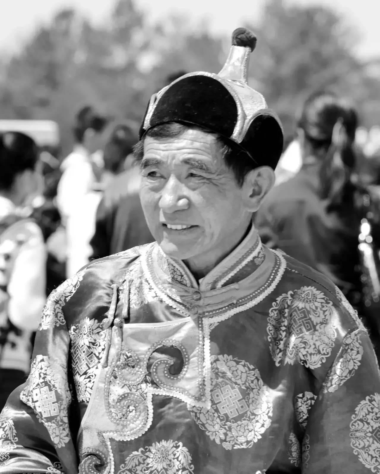 【ANU美图】摄影师吉雅:传统蒙古族牧民黑白纪实作品欣赏 第4张