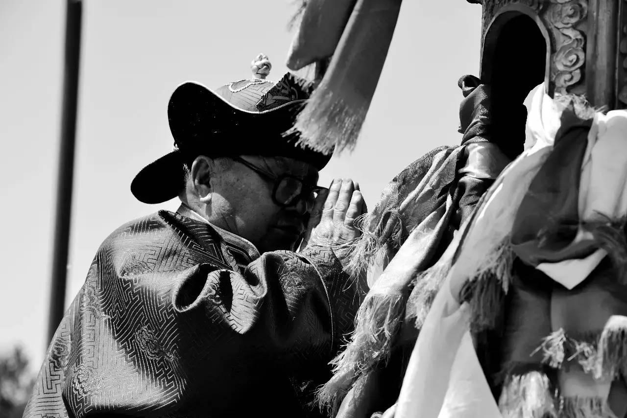 【ANU美图】摄影师吉雅:传统蒙古族牧民黑白纪实作品欣赏 第3张