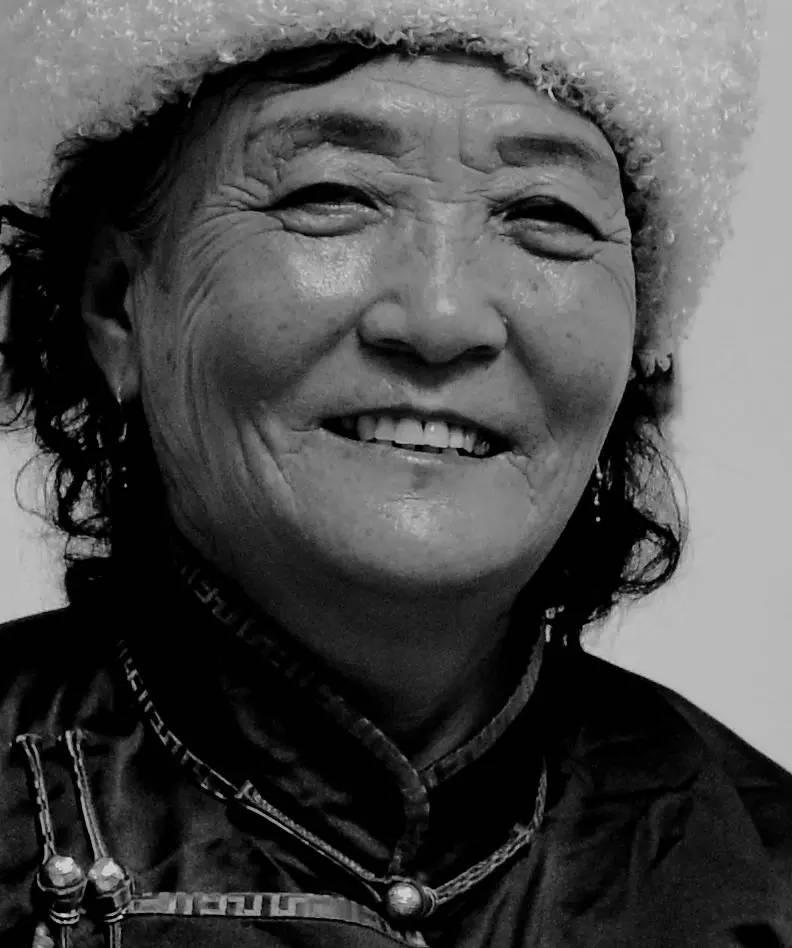 【ANU美图】摄影师吉雅:传统蒙古族牧民黑白纪实作品欣赏 第7张