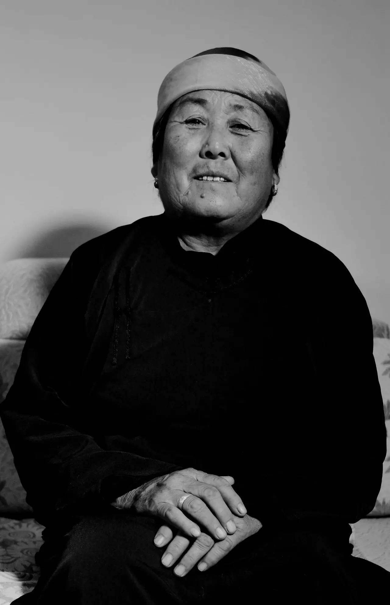 【ANU美图】摄影师吉雅:传统蒙古族牧民黑白纪实作品欣赏 第10张