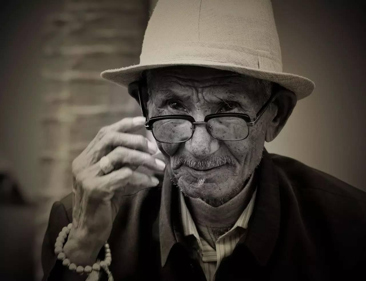 【ANU美图】摄影师吉雅:传统蒙古族牧民黑白纪实作品欣赏 第12张