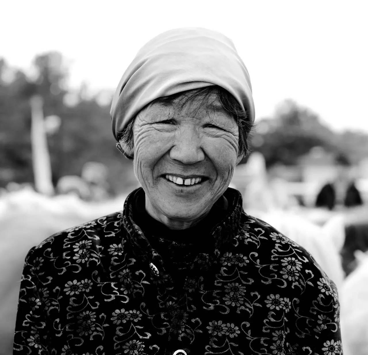【ANU美图】摄影师吉雅:传统蒙古族牧民黑白纪实作品欣赏 第13张