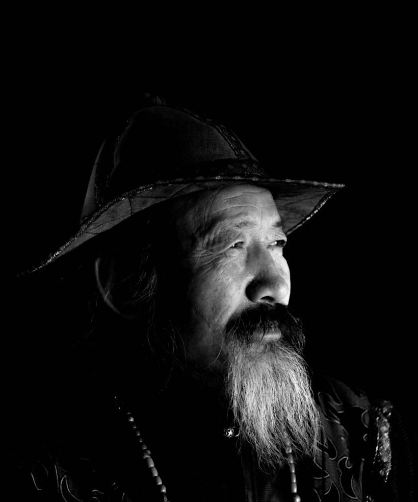 【ANU美图】摄影师吉雅:传统蒙古族牧民黑白纪实作品欣赏 第15张