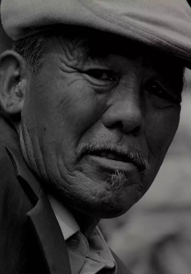 【ANU美图】摄影师吉雅:传统蒙古族牧民黑白纪实作品欣赏 第21张