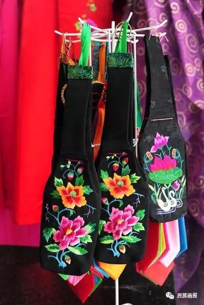 色彩|翁牛特旗蒙古族刺绣 第2张 色彩|翁牛特旗蒙古族刺绣 蒙古工艺