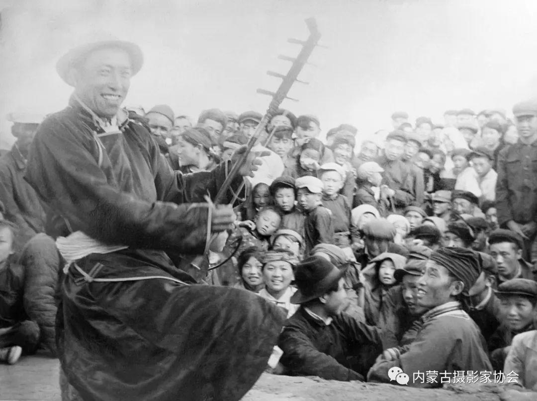 作品赏析丨内蒙古老摄影家岳枫镜头下的精彩瞬间 第9张 作品赏析丨内蒙古老摄影家岳枫镜头下的精彩瞬间 蒙古文化