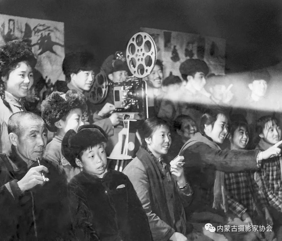 作品赏析丨内蒙古老摄影家岳枫镜头下的精彩瞬间 第7张 作品赏析丨内蒙古老摄影家岳枫镜头下的精彩瞬间 蒙古文化