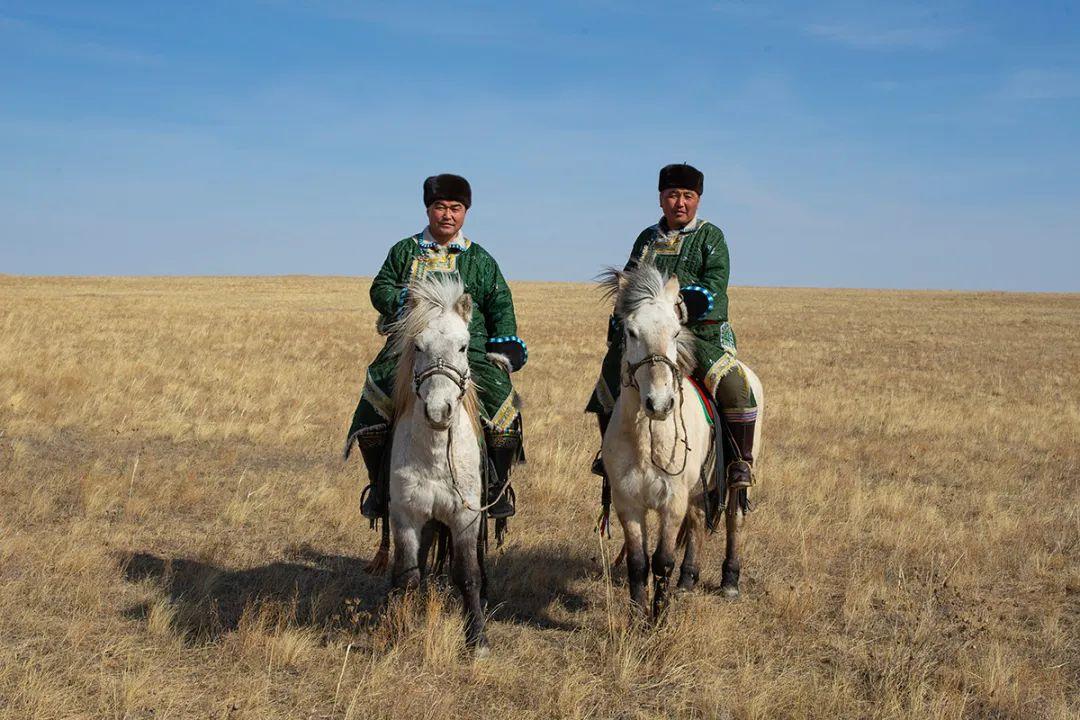 白嘎利:天生相伴—蒙古族双胞胎 第14张 白嘎利:天生相伴—蒙古族双胞胎 蒙古文化