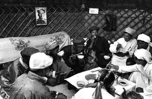 老照片:1965年,法国摄影师拍摄文革前的内蒙古 第6张