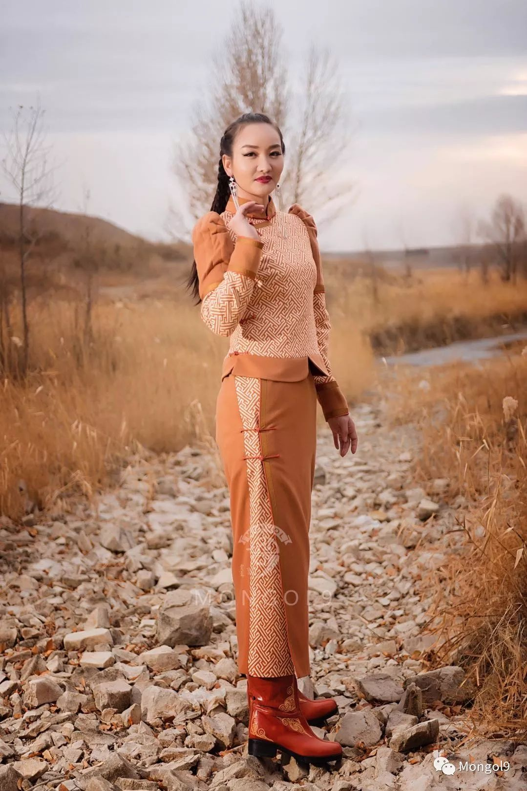 为我的蒙古闺蜜们而设计 第12张 为我的蒙古闺蜜们而设计 蒙古服饰