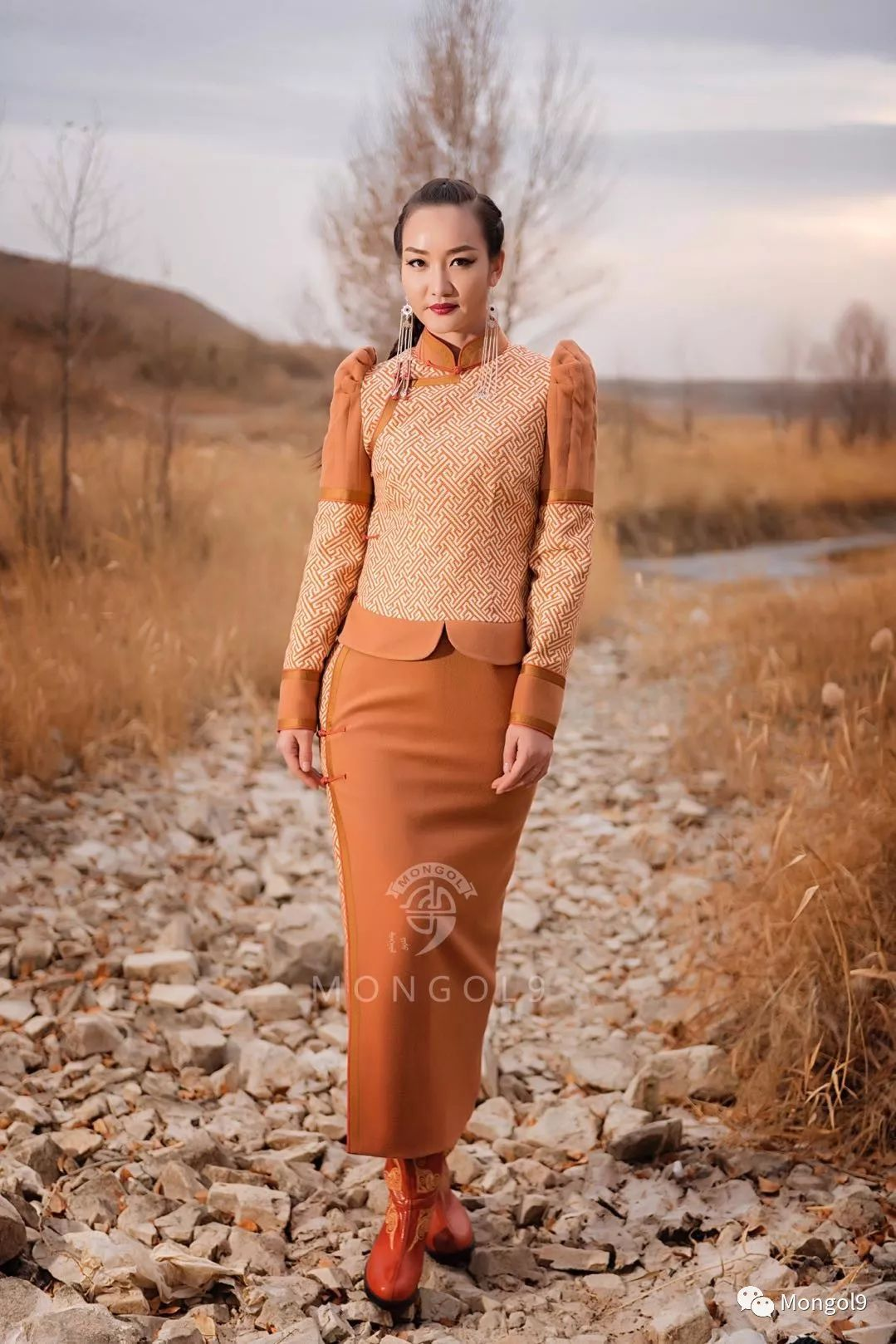 为我的蒙古闺蜜们而设计 第14张 为我的蒙古闺蜜们而设计 蒙古服饰