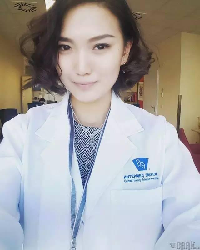 【蒙古美女】穿制服的蒙古美女们 美的没谁了 第19张