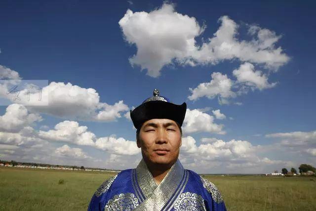 【蒙古文化】探访成吉思汗陵80后守陵人 第2张