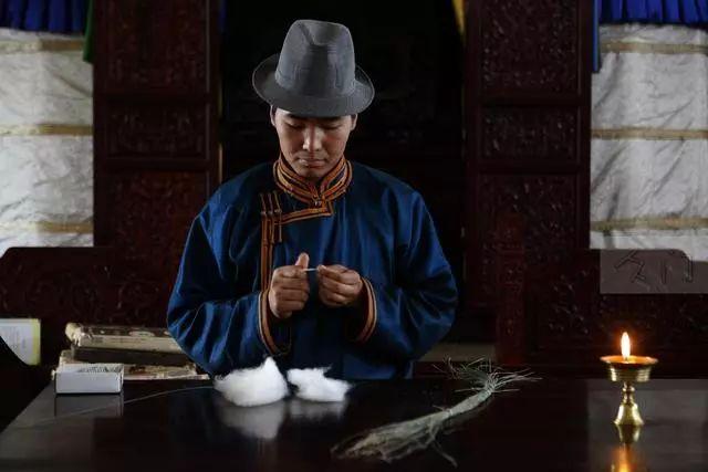 【蒙古文化】探访成吉思汗陵80后守陵人 第5张 【蒙古文化】探访成吉思汗陵80后守陵人 蒙古文化