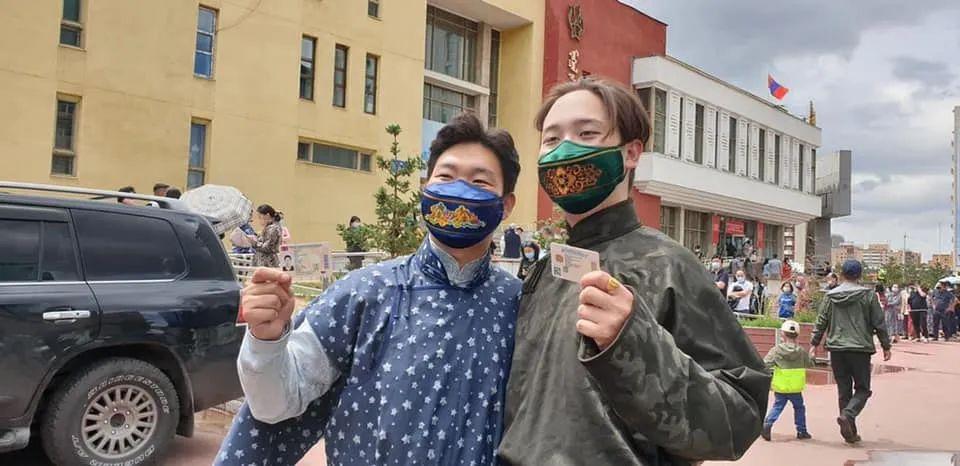 图片:蒙古服装VS新冠病毒 第4张 图片:蒙古服装VS新冠病毒 蒙古服饰