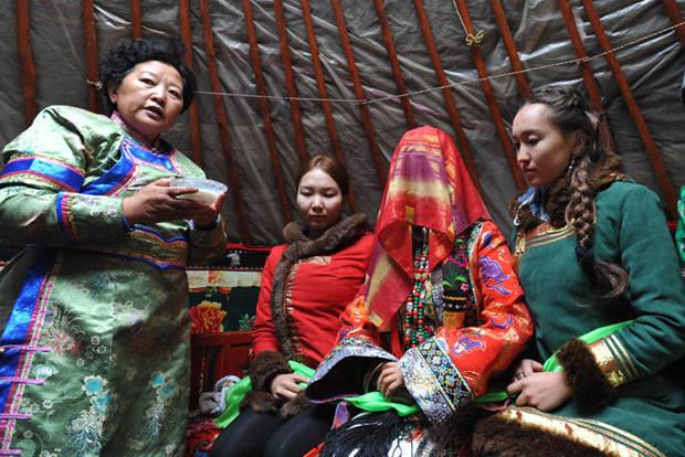卫拉特蒙古传统婚礼习俗 第7张